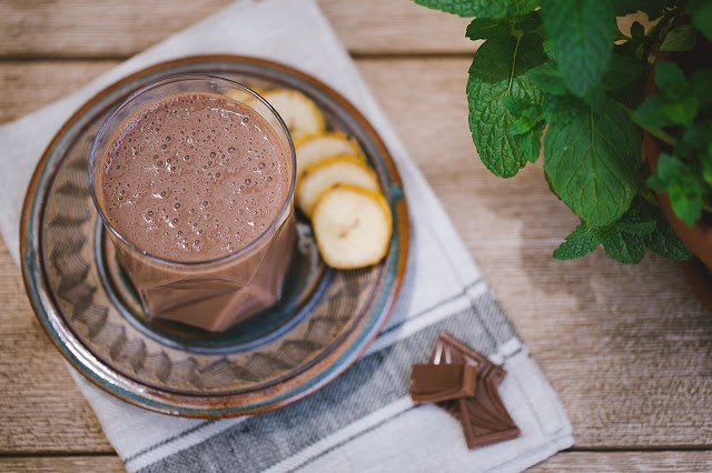 Chocolate Banana Breakfast Smoothie